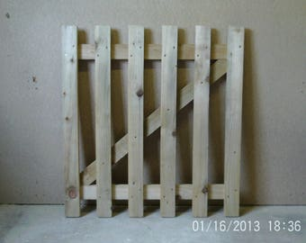Wooden Flat Top Picket Gate