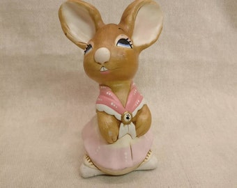 Pendelfin Rabbit Mother Rabbit Figurine, hand painted stonecraft. pink version