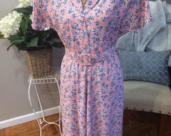 Vintage 1980's Carol Anderson California Floral 80's Dress Beautiful Shape!