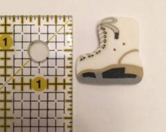 Ice Skate 4608 button from Just Another Button Company