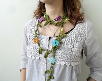 Crochet lariat, Flower Lariat, Beige stem and cream, soft pink, taupe flowers