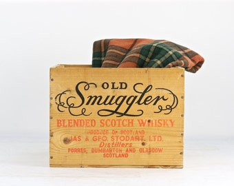 Old Smuggler Scotch Whiskey Wood Crate, Vintage Whiskey Wood Crate, Scotch Whiskey Wood Crate, Industrial Decor