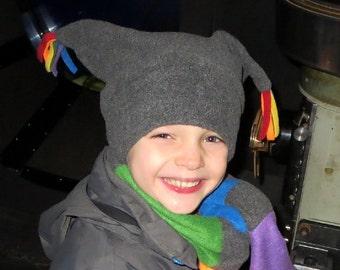 Chapeau en laine polaire avec pompons, plusieurs couleurs et impression choisissent, une taille s'adapte à tous, fleurs, à carreaux, chien, estampes pour les tout-petits enfants