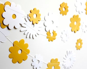 Summer garland, Yellow white paper garland, paper flower garland, nursery decor,  wedding decoration, baby shower party decor