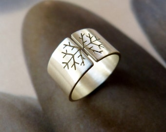 Snowflake ring, Sterling silver, wide band, metalwork jewelry, Christmas gift, gift for her, gift for girlfriend, for mother, for wife,
