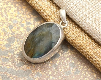 Faceted Labradorite Pendant Sterling Silver Pendant Blue Flash Oval Labradorite Pendant Spectrolite Jewelry Gemstone Pendant BS17-1204C