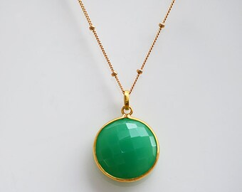 Green Onyx necklace - Round Gemstone necklace - green onyx pendant - May Birthstone - green onyx jewelry - bridesmaid necklace, gift for her