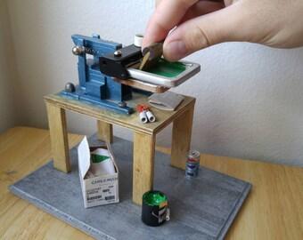 Miniature Silkscreen T-Shirt Printing Press