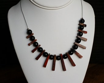Necklace made with precious stone
