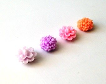 Resin Flower Magnets - Lilac colors - Rare Earth Magnets- Set of 4