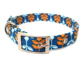 Dog collar, Autumnal leaf, autumnal dog collar, blue collar, metal buckle collar, plastic buckle collar, adjustable dog collar, seasonal dog