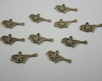 10 pcs.Zinc Antique Brass Cute Vintage Star Birds Charms Pendants Decorations Findings 13 mm. PND Bird RC