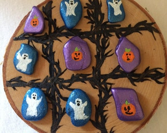 Halloween tic tac toe game. Hand painted