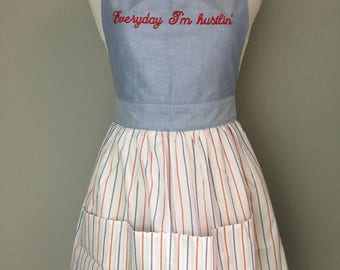 Retro apron, Everyday I'm hustlin, kitchen gift, cooking gift, bridal shower gift, hostress gift, housewarming gift, foodie gift, christmas