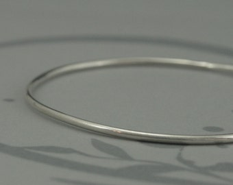 Sterling SilverBangle~Plain and Simple Bangle Bracelet~Stacking Bangle Bracelet~Hand Made to Size~Simple Silver Bracelet~Solid Silver Bangle