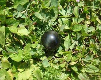 Man Choi (CAB) grade A Obsidian: 20 mm in diameter