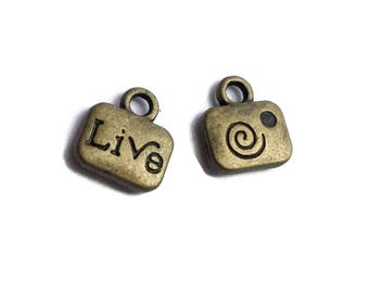 25 Antiqued Bronze Word LIVE Charms 11 x 10mm Tiny