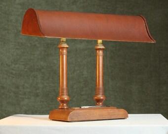 Vintage BANKER'S Lamp Unique WOOD Old Desk Lighting Hooded Shade Fluorescent Light