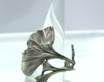 Collection * Alphonse MUCHA * ring Gingko *.