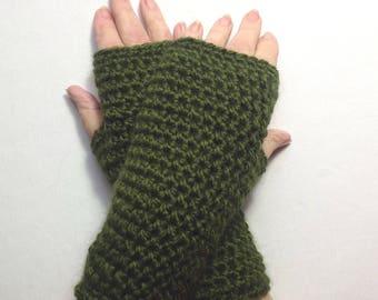 Alpaca mix wristlets - Green fingerless gloves - Alpaca blend wristwarmers - Crochet texting gloves