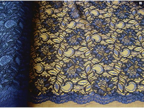 scalloped edge fabric, blue