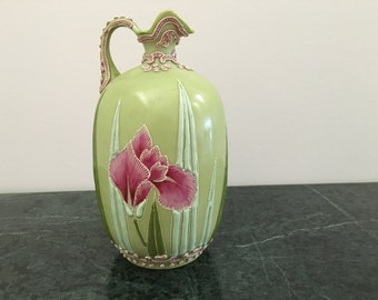 Hand painted porcelin vase