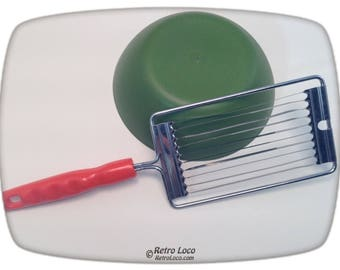 TOMATO SLICER VINTAGE 70s-Orange Plastic Handle-Metal Blades-Retro Cute Funky Groovy Kitchen Decor-Seventies Utensils Gadget Cutter-Culinary