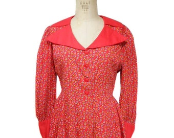 vintage 1970's floral peplum blouse / red / cotton / wide collar / button front / spring summer / women's vintage blouse / size medium