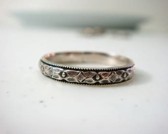 Patterned Ring in Sterling Silver // Diamond Patterned Thin Ring // Women's Ring // Sterling Silver Thin Ring // Women's Wedding Ring