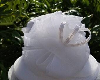 Medium white bucket hat.