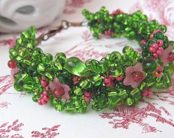 Bracelet green and pink seedlings 'secret garden'