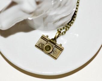 Camera Necklace, Bronze Camera Charm, Photographer Jewelry, Camera Geek Gift, Vintage Style, Camera Pendant, Simple Necklace, Camera Jewelry