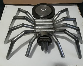 Large recycled metal spider (19 inch)