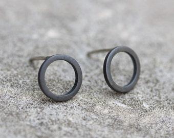 Schwarzer Kreis Sterling Silberohrstecker - minimal, einfach jeden Tag-Ohrringe