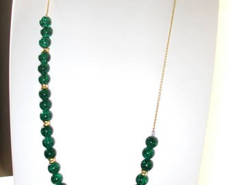 Asymmetrical necklace green pearls and gold - gold chain