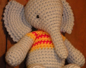 Instant download - PDF - Francis, the elephant -  10,8 inches amigurumi doll crohet pattern Available in English or Spanish language