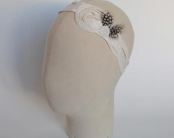 SALE 50% OFF - Woman's white straw headband with guinea fowl feathers Ethan - La Tribu des Oiseaux