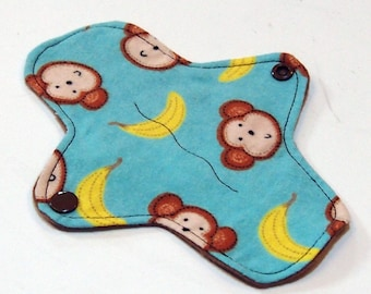 7 inch Reusable Cloth winged ULTRATHIN Pantyliner - Cotton flannel top - Bananas
