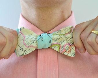 Men's Bow Tie in World Map (light) - free style self tie bowtie groomsmen custom wedding ties travel world maps blue