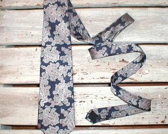 Mallory & Church Polyester Necktie *Elaborate Paisley On Navy*