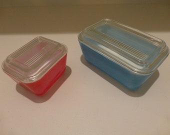 Vintage Pyrex Refrigerator Dishes With Lids in the Original Colors - Two