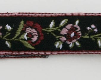 Cloth Ribbon Choker with Floral Design