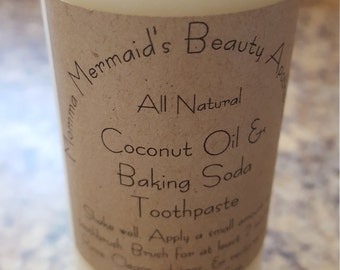 Coconut Oil & Baking Soda Toothpaste
