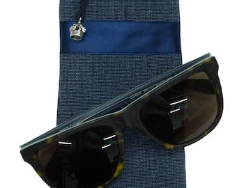Fabric eyeglass case in Ripsoptik with Krönchenanhänger