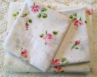 Pink Roses and Tiny Daisies on White Full Flat with Pillowcases - Vintage Pequot - 1970s Bedding - No-Iron