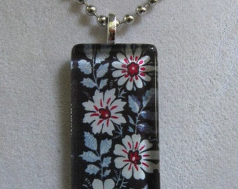 Vera Bradley Alpine Black Design Glass Pendant Necklace - New