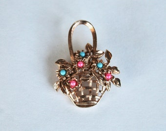 Vintage 1950s/1960s Gold Tone Flower Basket Pin/Brooch with Pink and Blue Flowers