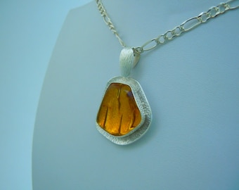Clear Honey Amber Over Gold Vermiel: