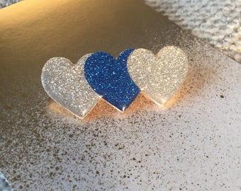 "Brooch ""Bunch of hearts"" blue"