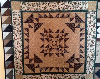 quilted wall hanging, cotton, country, decor, black and tan